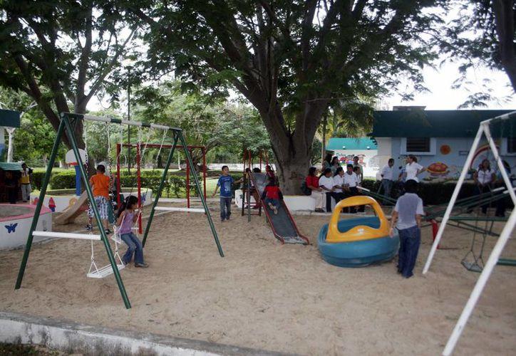 Los juegos fueron pintados y rehabilitados en el Hospital Psiquiátrico Yucatán. (Milenio Novedades)