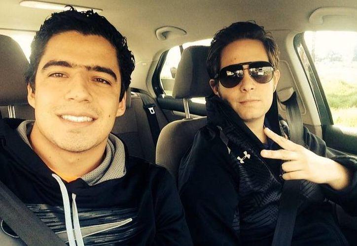 Andrés Vaca (i) y 'El Pollo' Ortiz fracasaron durante las transmisiones de los partidos de la Selección Mexicana en el Mundial de Brasil, por lo que ahora serán relevados. (Twitter)