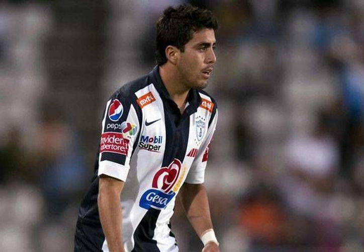 Tras conseguir a Néstor Vidrio (foto), Chivas va ahora por Israel Jiménez. (record.com/Archivo)
