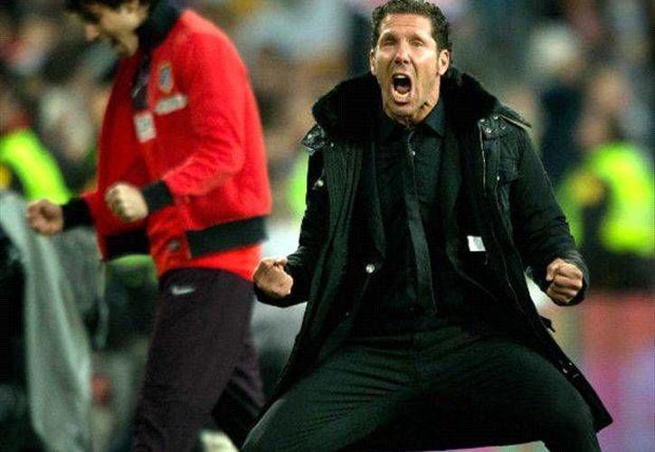 Diego Simeone, Cholo, quien ha sido el entrenador del Atlético de Madrid desde 2011, lo seguirá siendo hasta 2018. (goal.com)