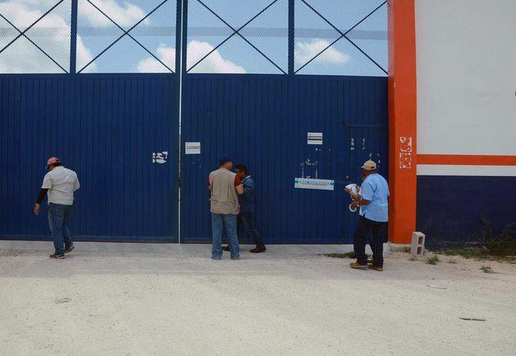 La Dirección de Fiscalización realiza inspecciones a los establecimientos comerciales de manera constante. (Karim Moisés/SIPSE)
