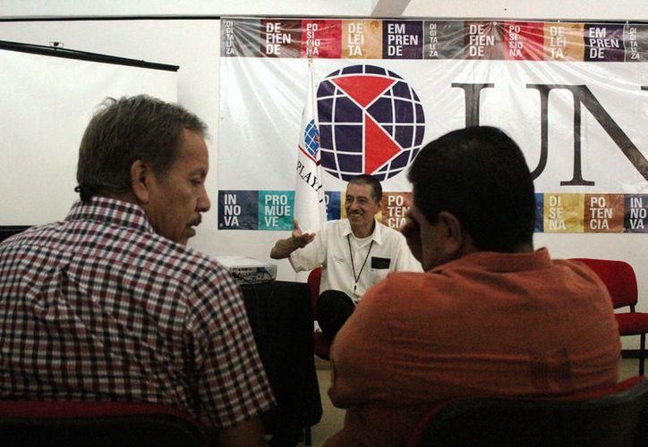 El aspirante es egresado de la licenciatura de Gobierno y Gestión Pública en la Uqroo. (Foto: Octavio Martínez)