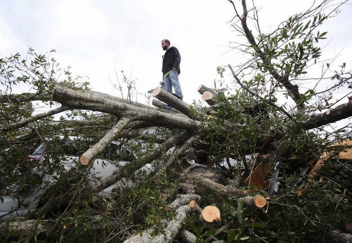 Tormentas azotaron los estados de Mississippi, Luisiana y Florida ayer 23 de febrero matando a tres personas. (EFE)