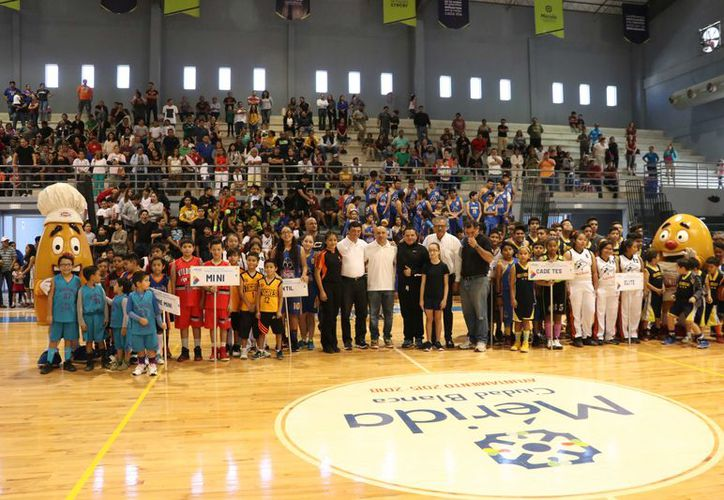 Inauguración de la  Liga Municipal Infantil y Juvenil de Básquetbol. (Foto: Daniel Sandoval/Milenio Novedades)
