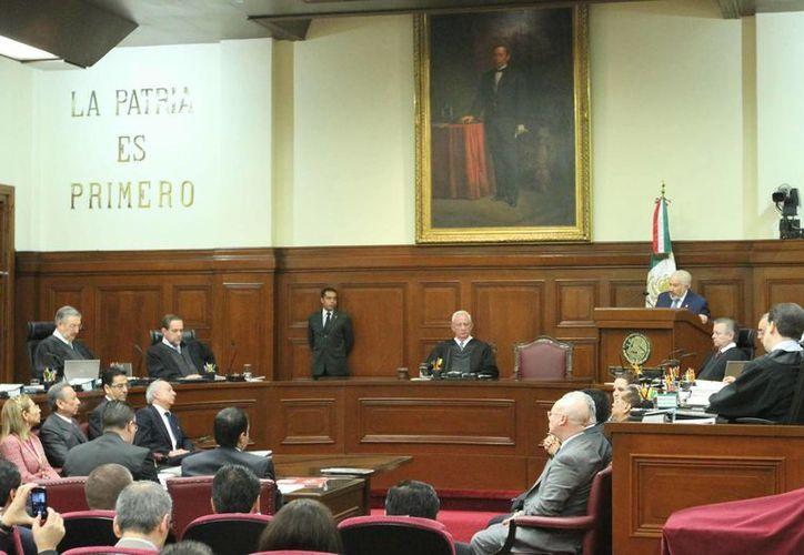 Sesión de la Sala Superior del Tribunal Electoral del Poder Judicial de la Federación, donde este sábado se aprobaron dos sanciones al Partido Verde, a un día de las elecciones. (Notimex)