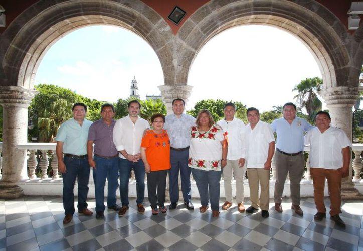 Entre los temas que trataron destacan tratamiento de la basura, seguridad y espacios deportivos. (Novedades Yucatán)