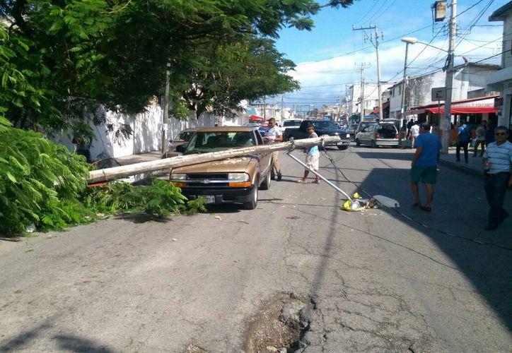 El tráfico en la Ruta 4 de Cancún se vio congestionado debido al incidente. (Foto: Ivette y Cos/SIPSE).