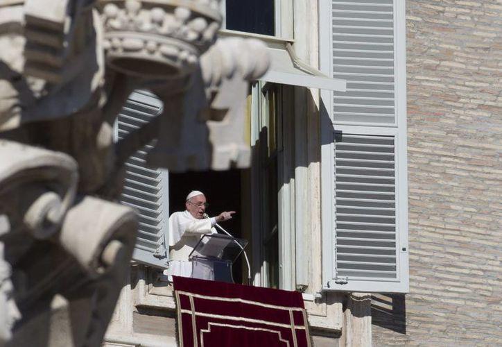 El Papa pidió recordar la fecha del bautismo como un día de fiesta. (AP)