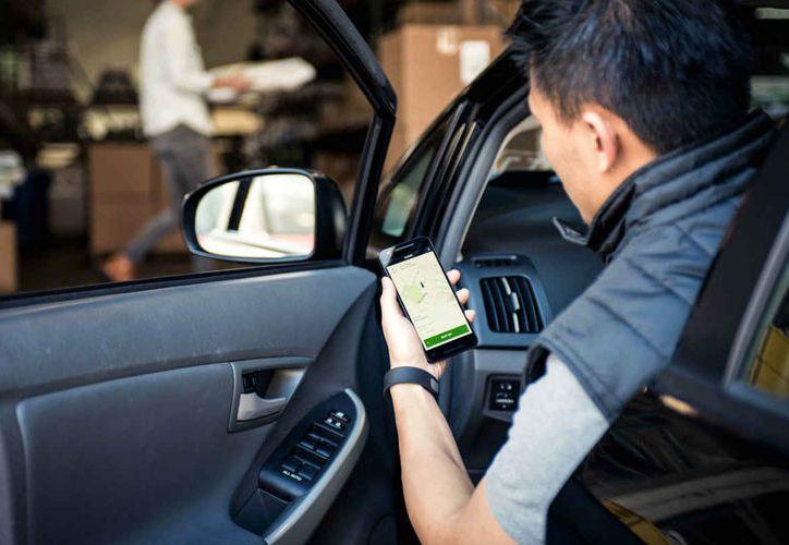 Después de dos minutos de espera, la plataforma Uber comenzará a cobrar el tiempo. (Foto: Forbes)