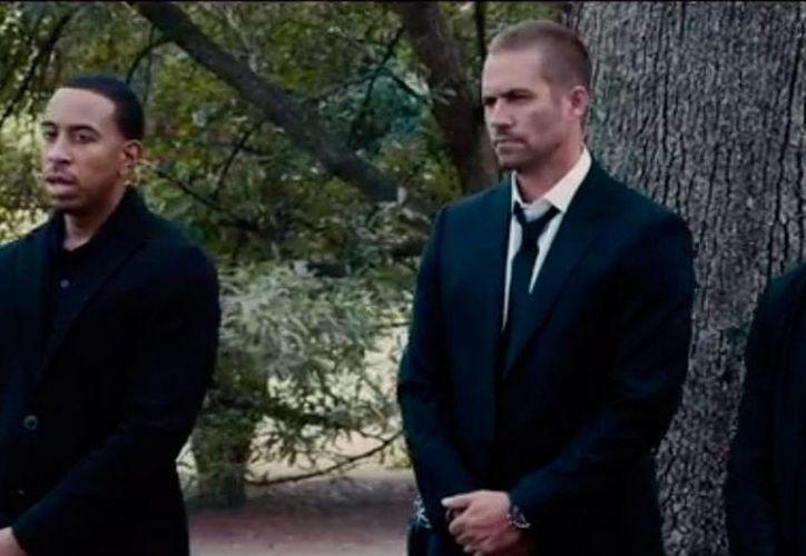 Escena de la película 'Fast and Furious 7' cuyo segundo tráiler oficial se presentó este jueves. (es.ign.com)