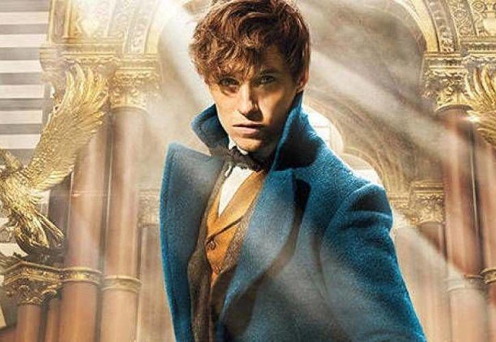 El británico Eddie Redmayne, ganador del Oscar en 2014, protagonizará 'Fantastic Beasts And Where To Find Them', cinta derivada de Harry Potter. (melty.mx)