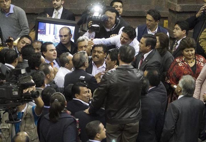 Por momentos la sesión en la Cámara de Diputados se puso muy tensa. (Notimex)