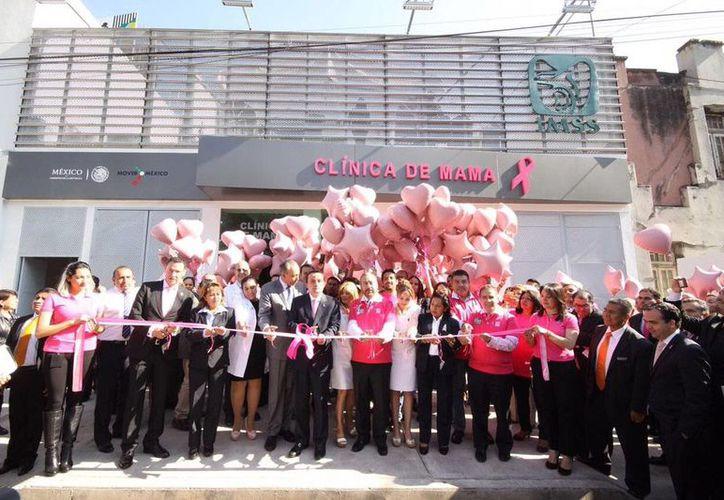 Aspecto de la inauguración de la primera Clínica de Mama del Instituto Mexicano del Seguro Social, el 19 de octubre de 2016, en la Ciudad de México. (Foto: Twitter @arrriolamikel)