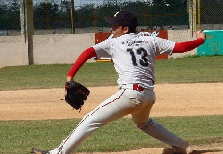 Los lanzadores de la Liga Yucatán han mantenido a raya a sus rivales. (Milenio Novedades)