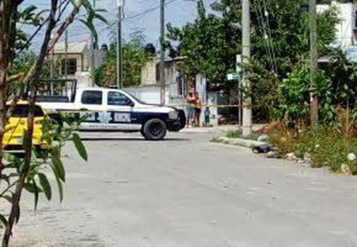 Al lugar llegaron elementos municipales y ministeriales, además de paramédicos de la Cruz Roja. (Redacción/SIPSE)