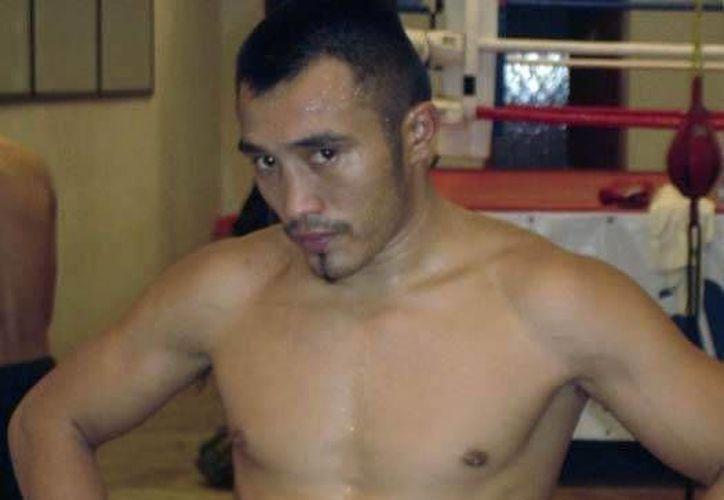 El yucateco 'Chamaco' Ortiz se prepara con todo para enfrentar a la 'Zorrita' Soto. (oem.com.mx)