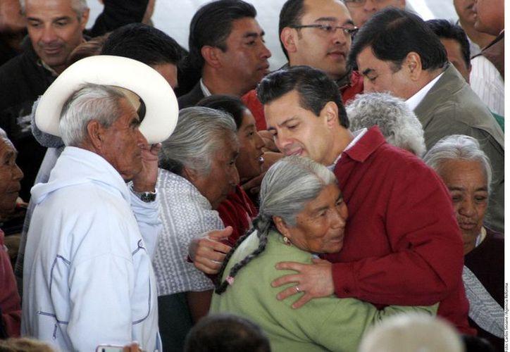 Es la primera vez que un Presidente de la República visita ese poblado. (Agencia Reforma)