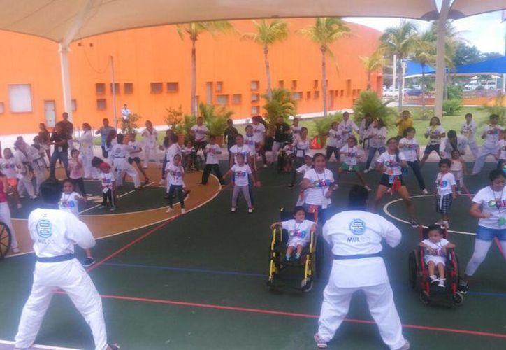 Los integrantes de la academia Mul Do realizaron una demostración de sus habilidades. (Tomás Álvarez/SIPSE)