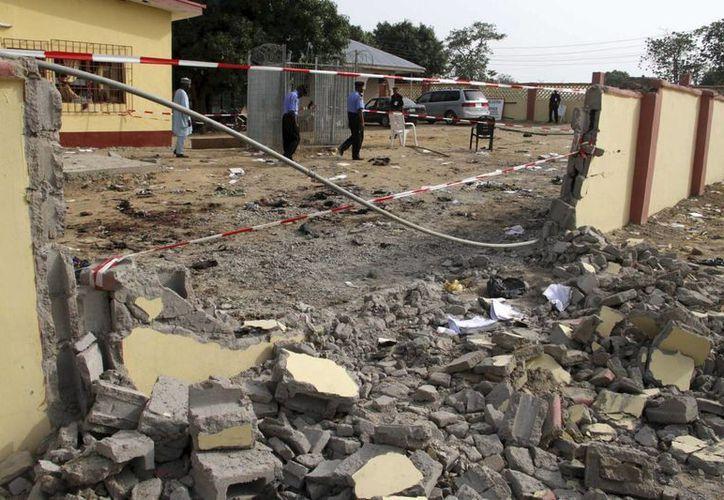 Imagen de uno de los ataques de Boko Haram en el norte de Nigeria. Atacan mezquita con saldo de  más de 150 muertos. (Archivo/EFE)