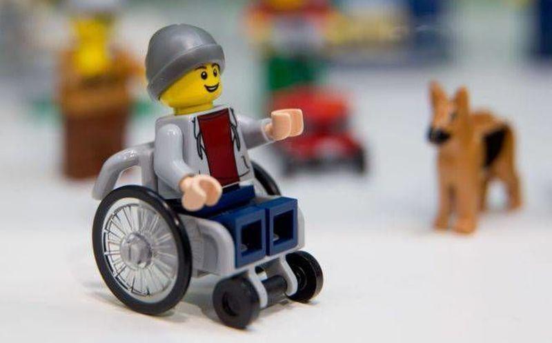 Sipse Personaje De Grupo En Lego Presenta Silla Ruedas l1JFKc
