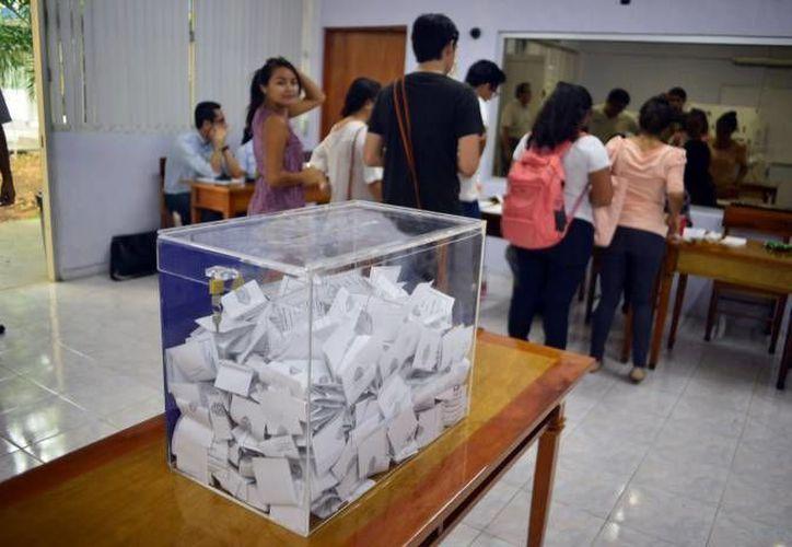 En Cancún más de 237 mil personas podrían emitir su voto en 406 urnas. (Archivo/SIPSE)