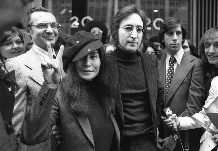 El abogado Leon Wildes no conocía a John Lennon, pero sabía mucho de las leyes de inmigración de EU, con lo que evito que el presidente Nixon deportara al ex Beatle. (AP)