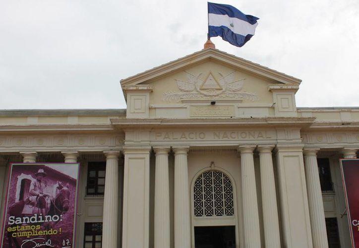 Los nicaraguenses elegirán hoy a su presidente. Daniel Ortega podría ser reelecto. En la foto, el Palacio Nacional de Gobierno en Managua. (Notimex)