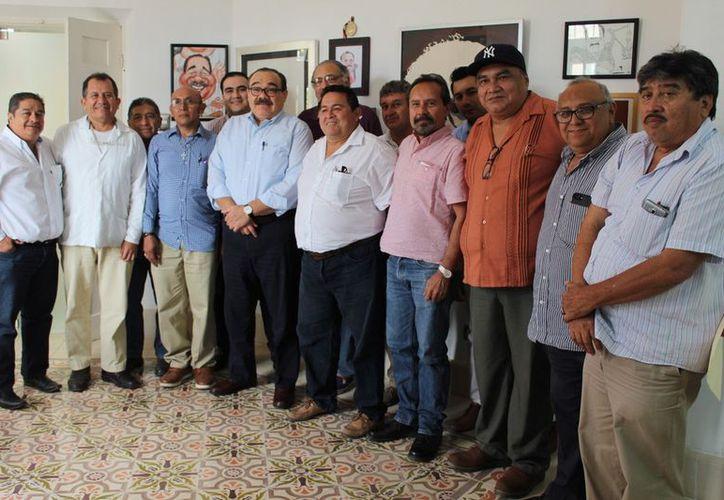 Jorge Carlos Ramírez Marín busca sostener un diálogo con los paisanos que laboran en la Unión Americana. (Milenio Novedades)