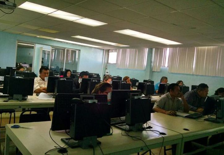 Los primeros días del próximo año se darán a conocer los resultados de la evaluación docente. (Ángel Castilla/SIPSE)