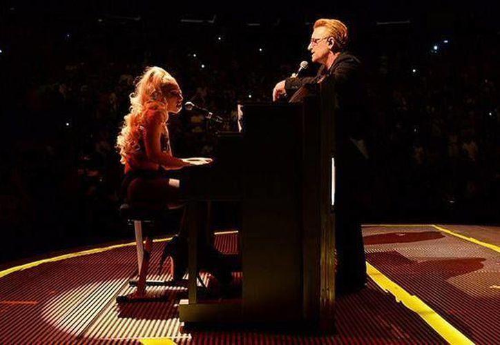La cantante fue invitada a interpretar un tema durante el concierto de la banda en el Madison Square Garden. (@BillboardArg)