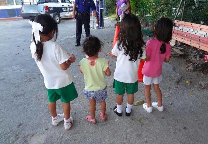 Las infantes tienen 5, 4, 3 y 2 años de edad; una de ellas acusó a su papá de violencia intrafamiliar. (Redacción/SIPSE)