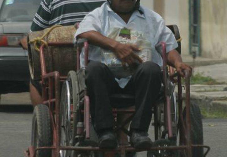 Se estima que el 10 por ciento de la población total cuenta con una incapacidad, principalmente motriz. (Archivo/SIPSE)