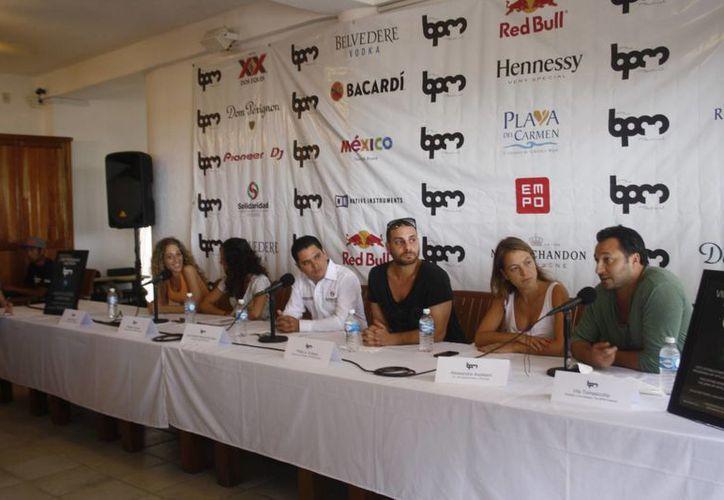 Los organizaores del festival tienen como objetivo dejar las playas limpias. (Octavio Martínez/SIPSE)