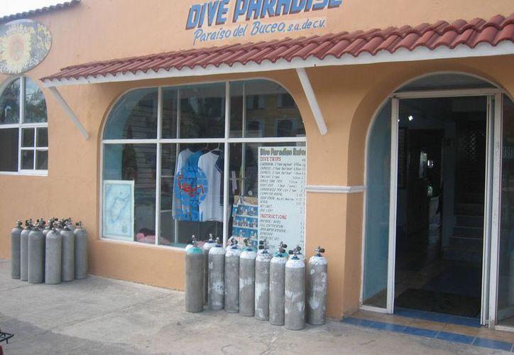 La turista presuntamente contrató una excursión de buceo con la empresa Dive Paradise. (Marco Do Castella/SIPSE)