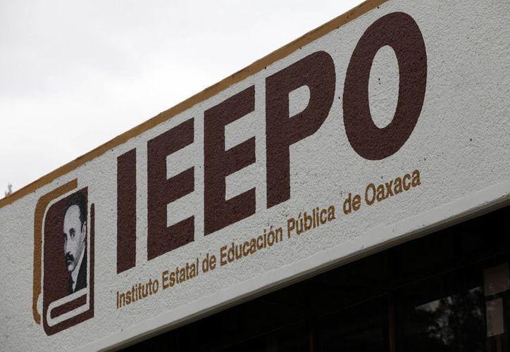 La directora de Evaluación Docente en el Ieepo, María Mercedes Rodríguez Mayoral, aseveró que la falta de un título en los docentes se debe un tema administrativo que el profesor dejó de realizar y no por que no haya cursado los estudios correspondientes. (Archivo/Notimex)