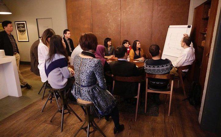 Como parte del programa Líderes en Innovación auspiciado por la Embajada de México en Reino Unido, integrantes del Parque Tecnológico y de Innovación TecniA, de la Anáhuac Mayab, presentó un proyecto de innovación tecnológica en Londres. (Foto cortesía)