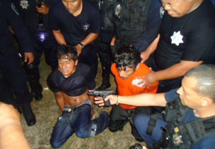 Las personas detenidas fueron puestas a disposición del agente del Ministerio Público del Fueron Común. (Ernesto Neveu/SIPSE)