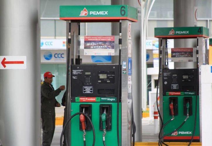 El SAT exhorta a la ciudadanía a denunciar a las gasolineras que no emitan facturas electrónicas. (papantlaenlanoticia.com)