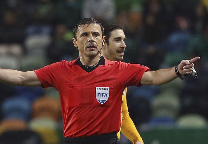 Milorad Mazic será el árbitro central del partido México vs Corea del Sur, el próximo sábado (Foto: AP)