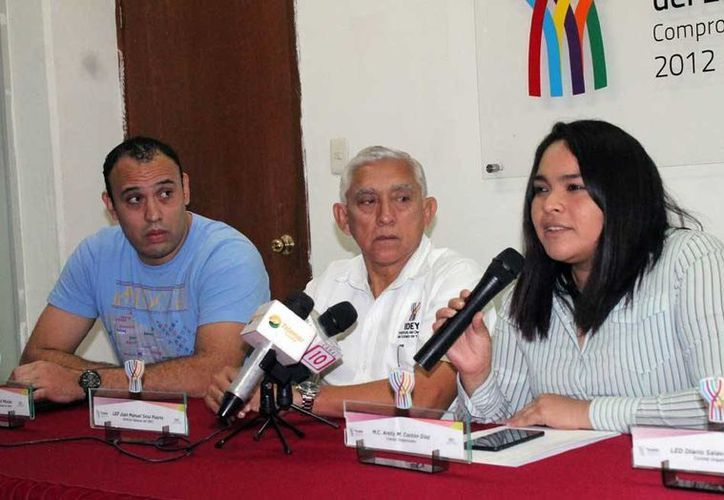 Arely López, organizadora de este evento, durante la rueda de prensa de la presentación de la Copa Gacelobos 2016. (Milenio Novedades)