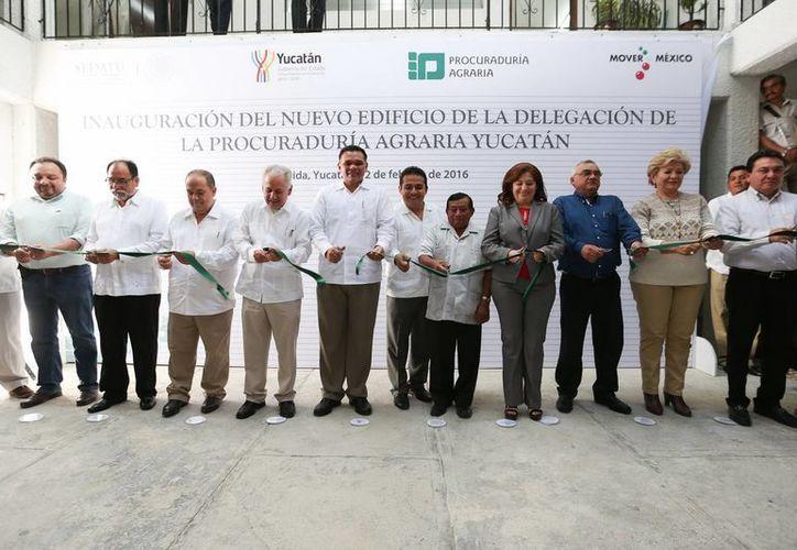 El gobernador Rolando Zapata estuvo presente en la inauguración de la nueva sede de la Procuraduría Agraria. (Foto cortesía del Gobierno de Yucatán)