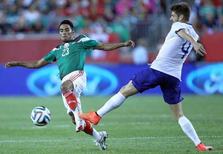 En los primeros 45 minutos de este duelo la Selección mexicana sufrió mucho para contener el futbol de buen toque de los lusitanos. (Notimex)