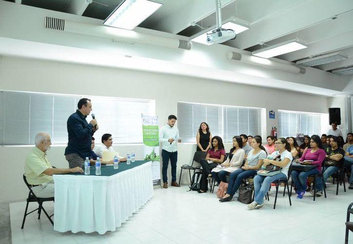Las actividades se desarrollan en la Universidad del Caribe. (Victoria González/SIPSE)