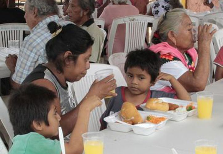 Padres de familia y maestros ven con buenos ojos que el programa de Tiempo Completo vaya en aumento con la construcción de los comedores. (Tomás Álvarez/SIPSE)