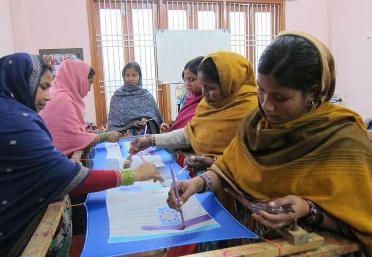 En ciudades como Varanasi (o Benarés), India, las mujeres no dejan de ser las parias de la familia. (sonriealmundo.com/Foto de contexto)