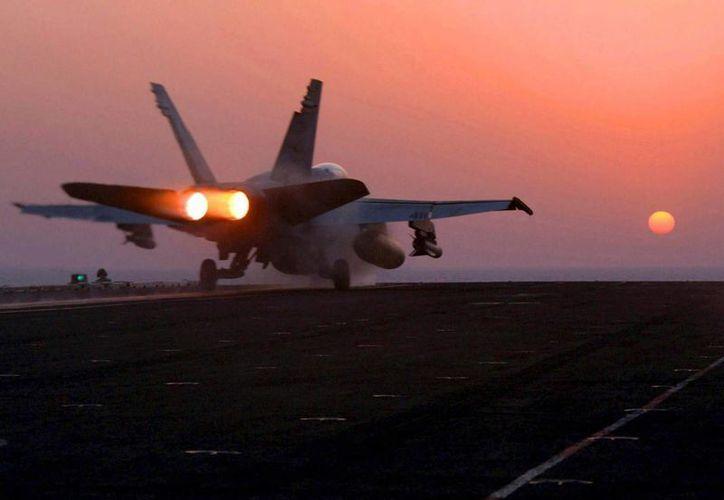 Estados Unidos anunció el pasado lunes el inicio de la ofensiva aérea contra la organización Estado Islámico en suelo sirio, tras haberla iniciado previamente en Irak. (EFE/Archivo)