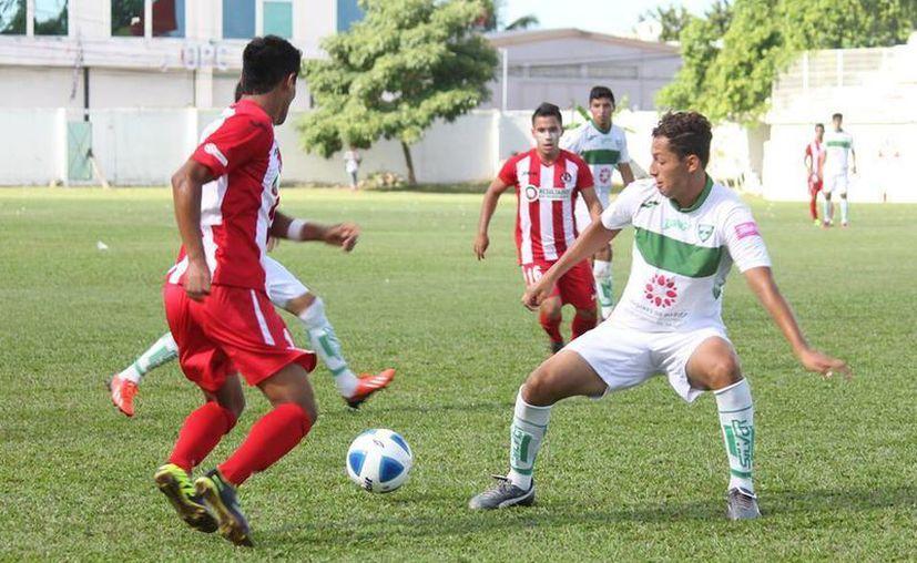 Pioneros va dispuesto a llevarse la victoria y ascender a la Liga Premier. (Francisco Gálvez/SIPSE)