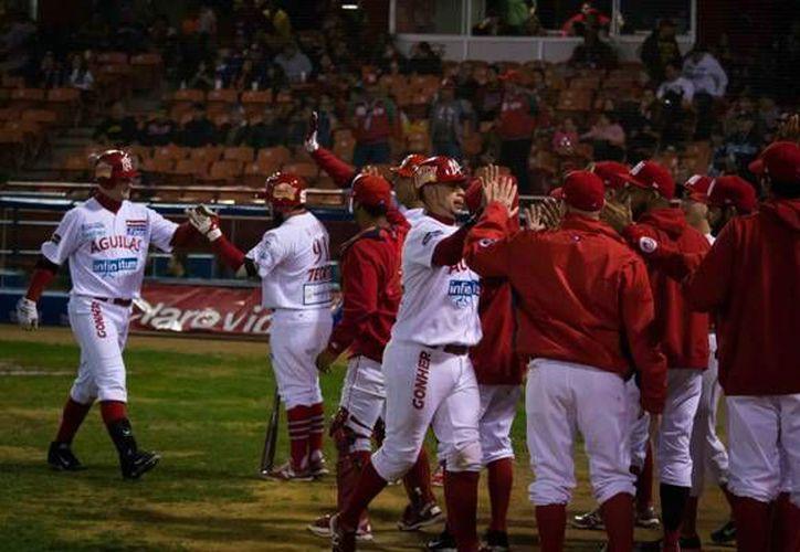 Con su victoria sobre los Naranjeros, Águilas de Mexicali ascendieron al primer lugar en la Liga Mexicana del Pacífico. (ligadelpacifico.com.mx)