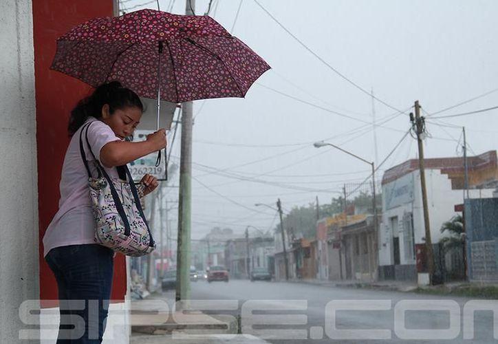 Los remanentes de Harvey provocaron una mañana de martes lluviosa en Mérida. (Archivo)