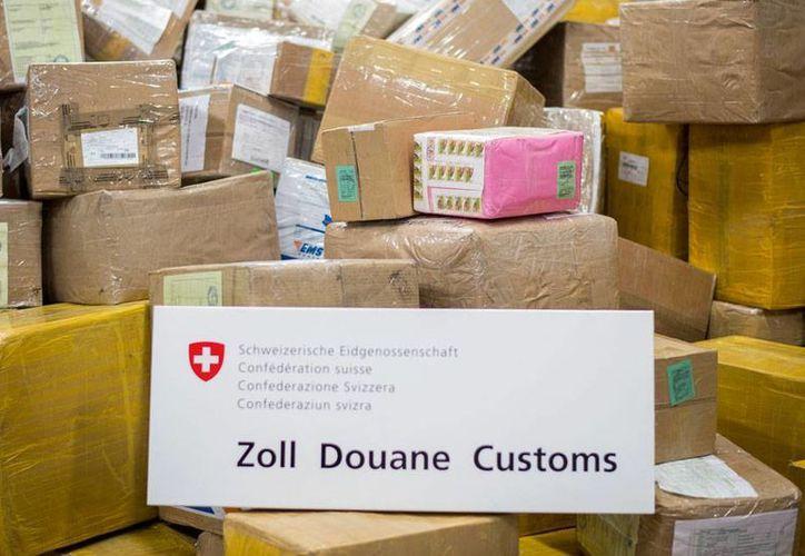 En el aeropuerto de Zurich, la aduana decomisó 5 toneladas de la droga khat, muy buscad en regiones de África y Oriente Medio. (AP)